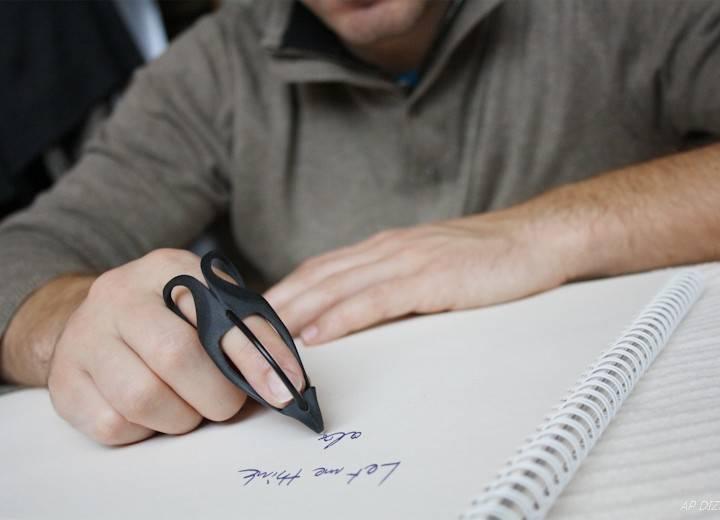 JUST PEN. Ergonomiczny długopis